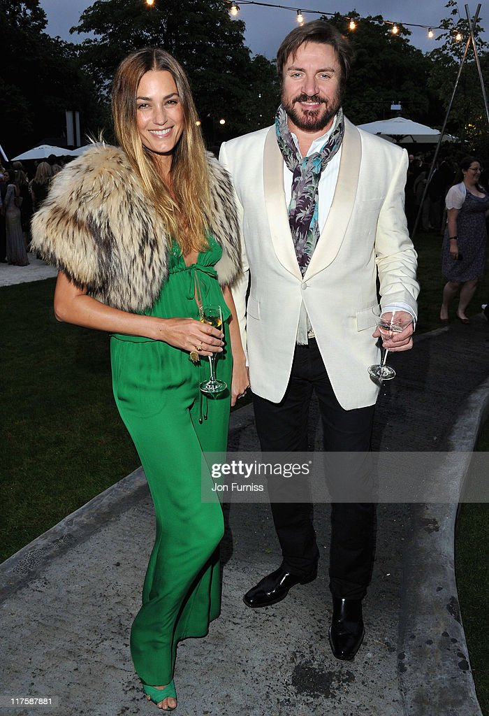 <a gi-track='captionPersonalityLinkClicked' href=/galleries/search?phrase=Yasmin+Le+Bon&family=editorial&specificpeople=161272 ng-click='$event.stopPropagation()'>Yasmin Le Bon</a> and <a gi-track='captionPersonalityLinkClicked' href=/galleries/search?phrase=Simon+Le+Bon&family=editorial&specificpeople=160698 ng-click='$event.stopPropagation()'>Simon Le Bon</a> attend The Serpentine Gallery Summer Party on June 28, 2011 in London, England.