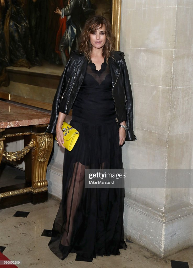 <a gi-track='captionPersonalityLinkClicked' href=/galleries/search?phrase=Yasmin+Le+Bon&family=editorial&specificpeople=161272 ng-click='$event.stopPropagation()'>Yasmin Le Bon</a> attends the Christian Dior Spring Summer 2017 Cruise Collection at Blenheim Palace on May 31, 2016 in Woodstock, England.