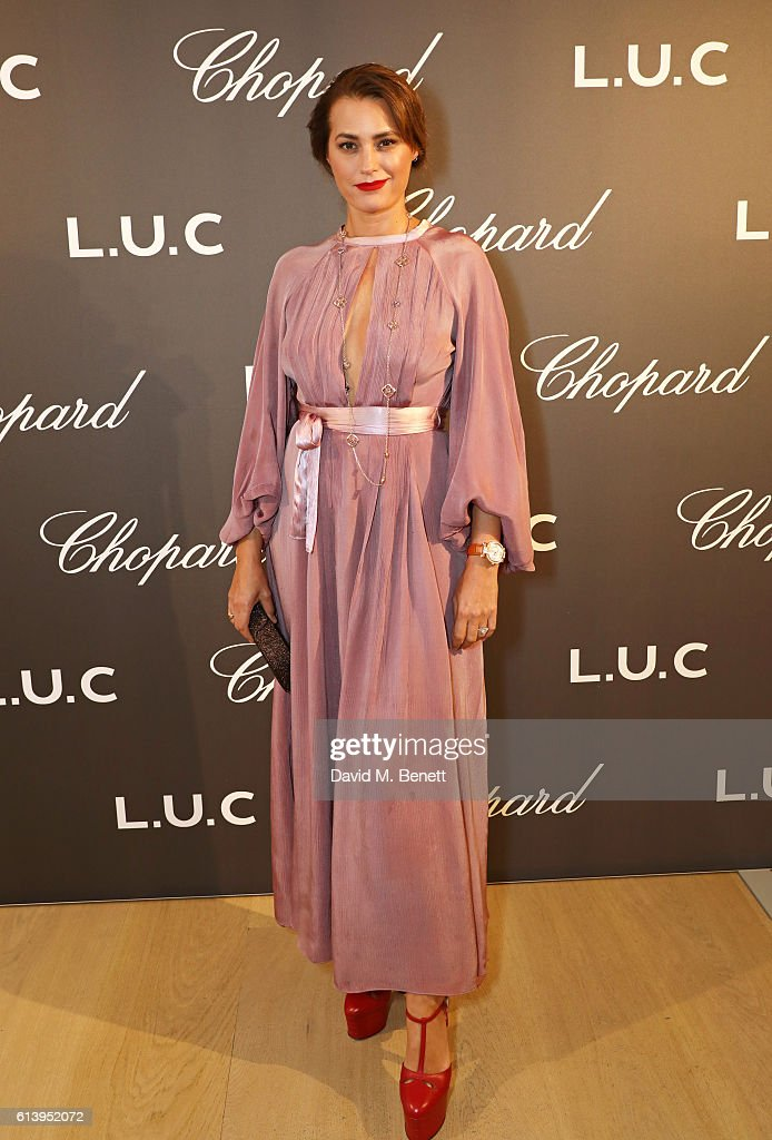 Yasmin Le Bon attends the cocktail opening of the Chopard exhibition 'L.U.C - L'art d'une Manufacture' at Phillips Gallery on October 11, 2016 in London, England.