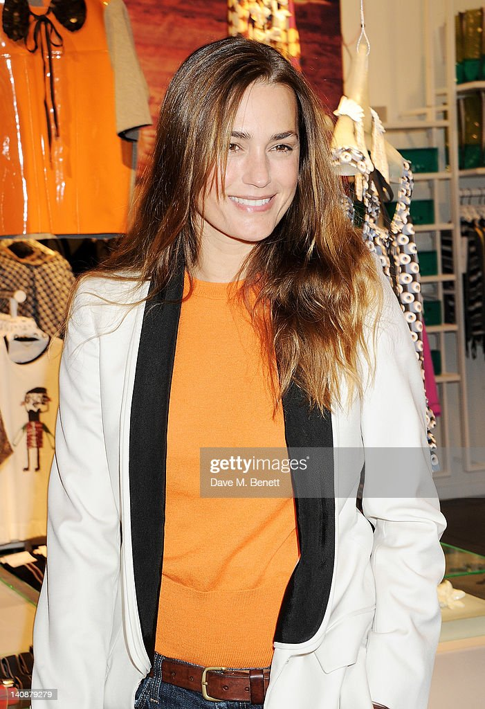 <a gi-track='captionPersonalityLinkClicked' href=/galleries/search?phrase=Yasmin+Le+Bon&family=editorial&specificpeople=161272 ng-click='$event.stopPropagation()'>Yasmin Le Bon</a> attends the launch of Italian fashion house Marni's collection for H&M at H&M Regent Street on March 7, 2012 in London, England.