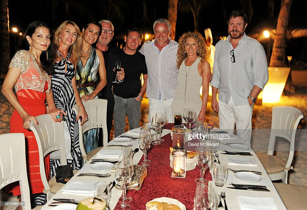Yasmin Mills Anastasia Webster Yasmin Le Bon Robert Clift Sid Owen John Gardiner Kelly Hoppen and Simon Le Bon attend a private dinner hosted by...