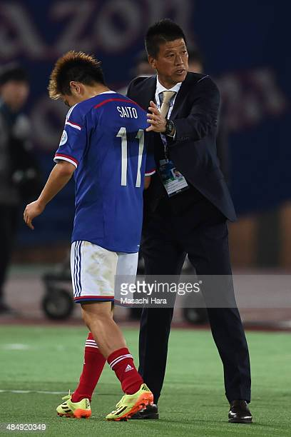 Yasuhiro Higuchicoach of Yokohama FMarinos looks on during the AFC Champions League Group G match between Yokohama F Marinos and Jeonbuk Hyundai at...