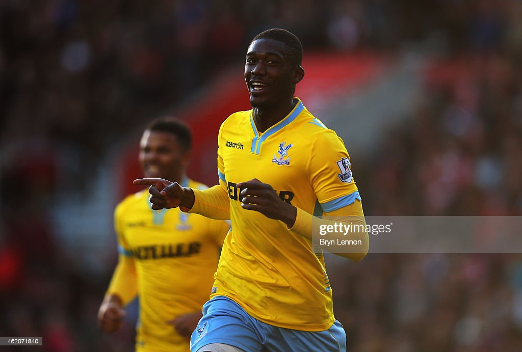 <a gi-track='captionPersonalityLinkClicked' href=/galleries/search?phrase=Yaya+Sanogo&family=editorial&specificpeople=5862550 ng-click='$event.stopPropagation()'>Yaya Sanogo</a> of Crystal Palace celebrates as he scores their second goal during the FA Cup Fourth Round match between Southampton and Crystal Palace at St Mary's Stadium on January 24, 2015 in Southampton, England.