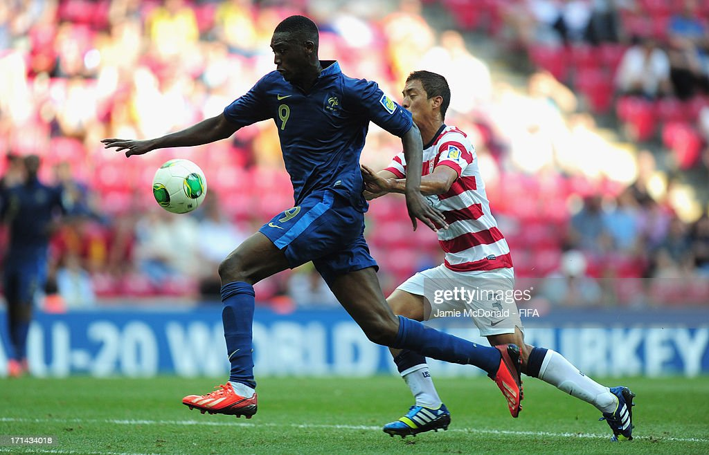Yaya Sanogo of France battles with Juan Pablo Ocegueda of USA during the FIFA U-20 World Cup Group A match between France and USA at the Ali Sami Yen Arena on June 24, 2013 in Istanbul, Turkey.