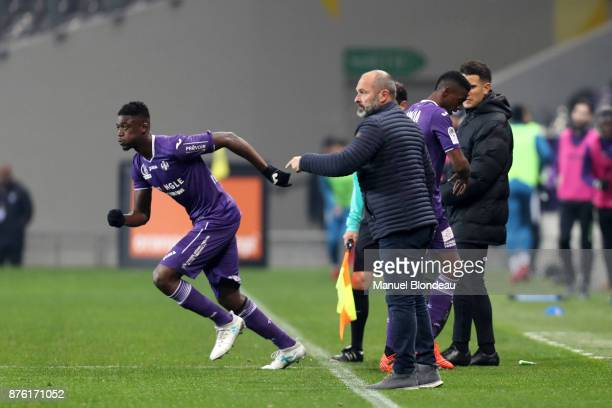 Yaya Sanogo of Toulouse substitutes Somalia during the Ligue 1 match between Toulouse FC and FC Metz at Stadium Municipal on November 18 2017 in...