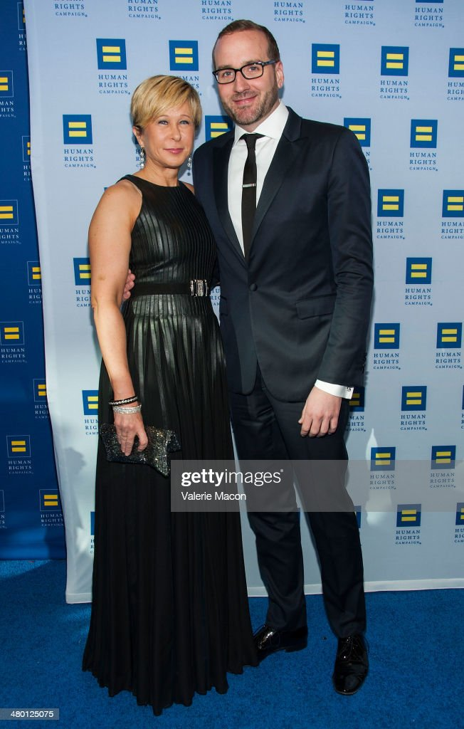 <a gi-track='captionPersonalityLinkClicked' href=/galleries/search?phrase=Yeardley+Smith&family=editorial&specificpeople=2478190 ng-click='$event.stopPropagation()'>Yeardley Smith</a> (L) and Chad Griffin arrive at the Human Rights Campaign Los Angeles Gala Dinner at JW Marriott Los Angeles at L.A. LIVE on March 22, 2014 in Los Angeles, California.