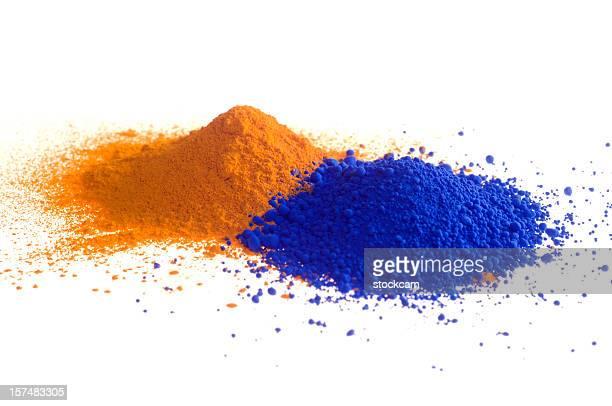 Jaune et bleu et de pigments sur blanc
