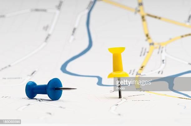 Il giallo e il blu pushpins