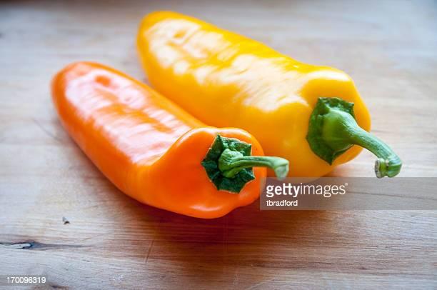 Amarelo e laranja Chilli Peppers