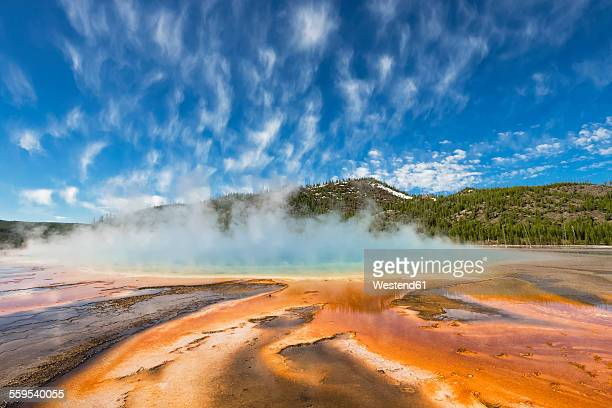 USA, Yellowstone National Park, Lower Geyser Basin, Midway Geyser Basin, Grand Prismatic Spring