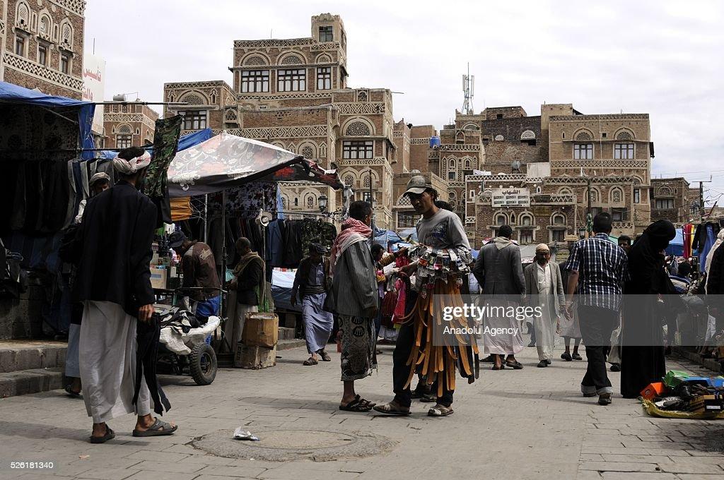 A Yemen hawker is seen as the peace talks organized in Kuwait continues in Sanaa, Yemen on April 29, 2016.