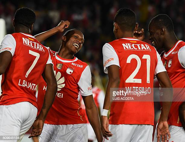 Yerri Mina of Colombia's Santa Fe celebrates with teammates after scoring against Bolivian Oriente Petrolero during their Libertadores Cup football...