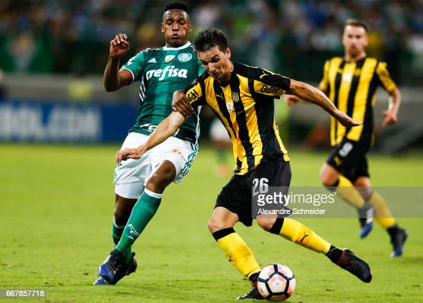 Yerry Mina of Palmeiras and Mauricio Affonso of Penarol in action during the match between Palmeiras of Brazil and Penarol of Uruguay for the Copa...