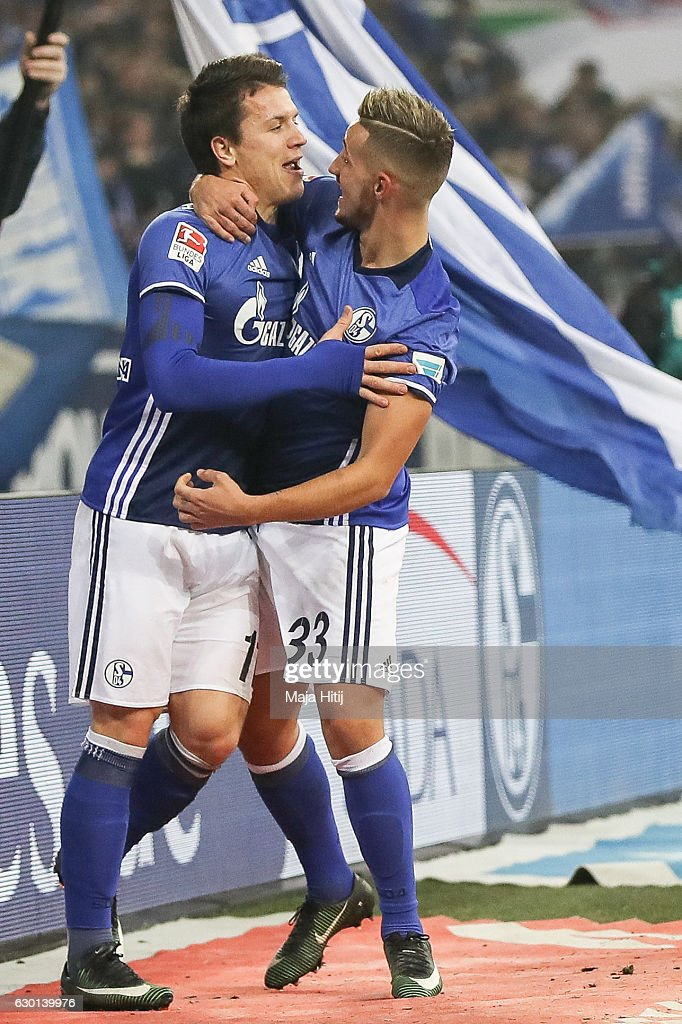 Yevhen Konoplyanka (R) celebrates with and Donis Avdijaj after he scores the equalizing goal to make it 1-1 during the Bundesliga match between FC Schalke 04 and SC Freiburg at Veltins-Arena on December 17, 2016 in Gelsenkirchen, Germany.