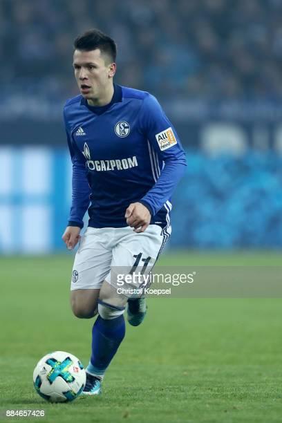 Yevhen Konoplyanka of Schalke runs with the ball during the Bundesliga match between FC Schalke 04 and 1 FC Koeln at VeltinsArena on December 2 2017...