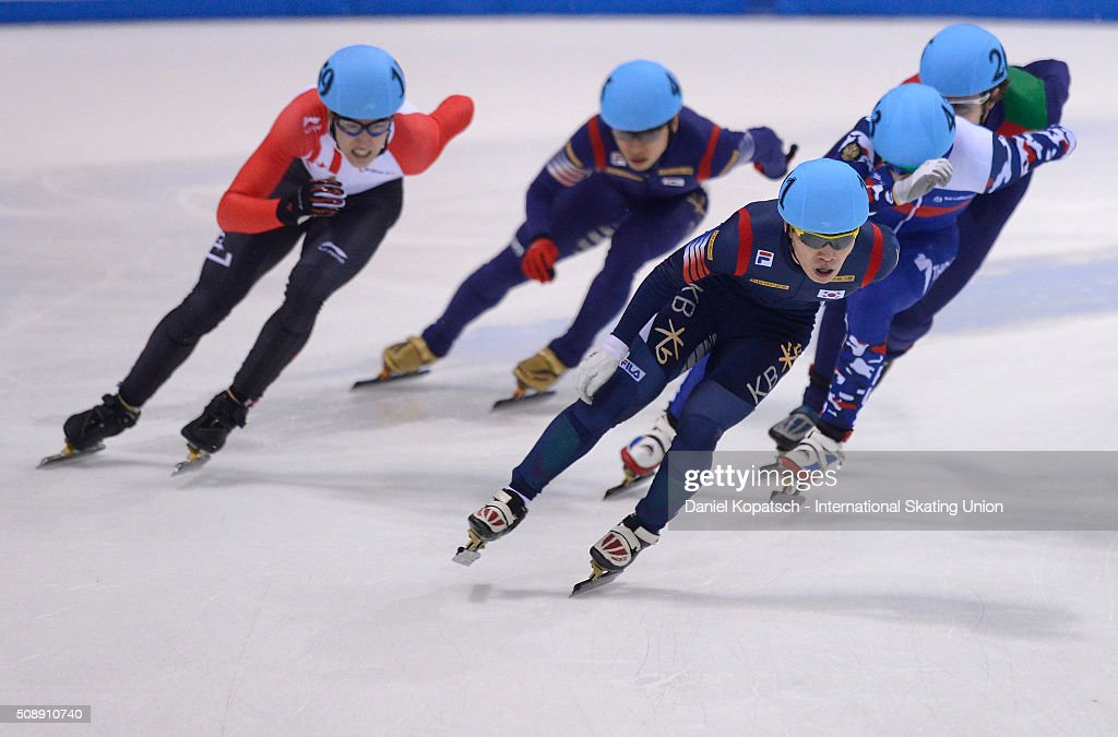 Yi Ra Seo of Korea leads the Men 1500 M Final during day two of the ISU World Cup Short Track Speed Skating at EnergieVerbund Arena on February 7, 2016 in Dresden, Germany.