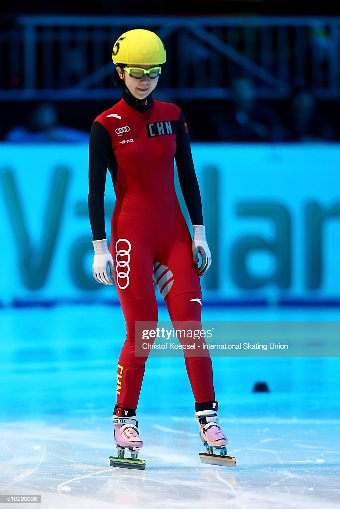 Yihan Guo of China prepares prior to the ladies 1000m semifinal second race heat one during Day 3 of ISU Short Track World Cup at Sportboulevard on February 14, 2016 in Dordrecht, Netherlands.