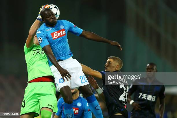 Yoan Cardinale of Nice and Kalidou Koulibaly of Napoli at San Paolo Stadium in Naples Italy on August 16 2017 during the UEFA Champions League...