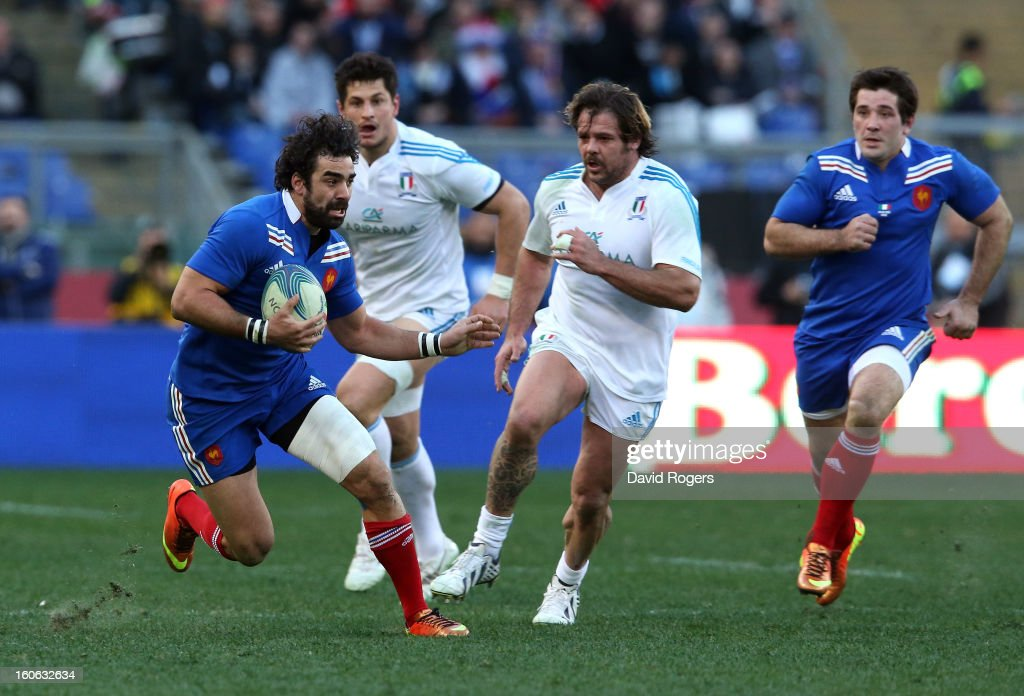 Yoann Huget of France runs with the ball during the RBS Six Nations match between Italy and France at Stadio Olimpico on February 3, 2013 in Rome, Italy.