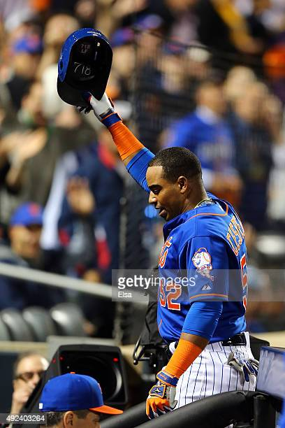 Yoenis Cespedes of the New York Mets celebrates with a curtain call after hitting a three run home run against Alex Wood of the Los Angeles Dodgers...