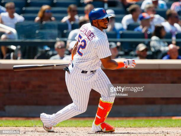 Yoenis Cespedes of the New York Mets in action against the Arizona Diamondbacks at Citi Field on August 24 2017 in the Flushing neighborhood of the...