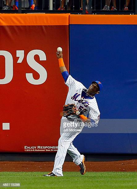 Yoenis Cespedes of the New York Mets in action against the Washington Nationals at Citi Field on August 2 2015 in the Flushing neighborhood of the...