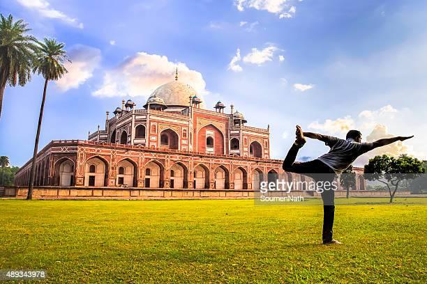 Yoga at Humayun's Tomb, Delhi, India - CNGLTRV1109
