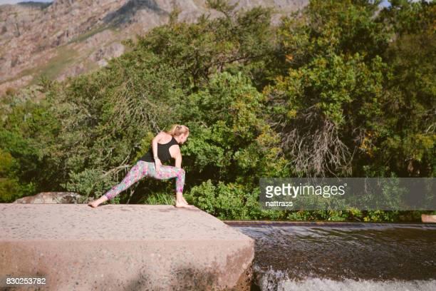 Yoga de la rivière qui coule