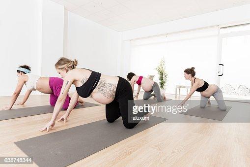 Yoga Class For Pregnant Women 28
