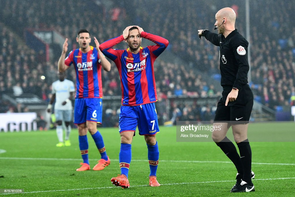 Yohan Cabaye of Crystal Palace reacts after referee Anthony Taylor points the penalty spot during the Premier League match between Crystal Palace and Everton at Selhurst Park on November 18, 2017 in London, England.