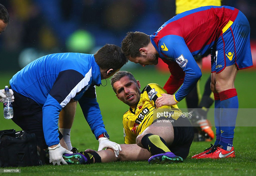 <a gi-track='captionPersonalityLinkClicked' href=/galleries/search?phrase=Yohan+Cabaye&family=editorial&specificpeople=648909 ng-click='$event.stopPropagation()'>Yohan Cabaye</a> of Crystal Palace talks to Valon Berami of Watford receiving the medical treatment during the Barclays Premier League match between Crystal Palace and Watford at Selhurst Park on February 13, 2016 in London, England.