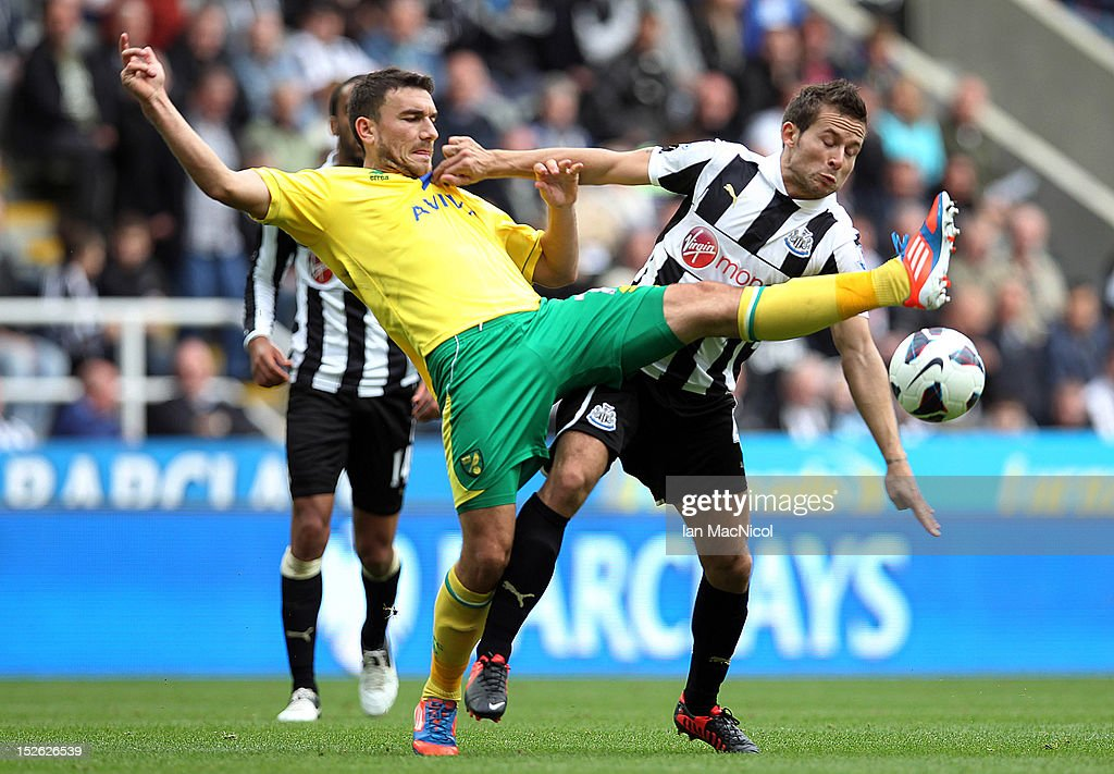 <a gi-track='captionPersonalityLinkClicked' href=/galleries/search?phrase=Yohan+Cabaye&family=editorial&specificpeople=648909 ng-click='$event.stopPropagation()'>Yohan Cabaye</a> of Newcastle United competes with Robert Snodgrass of Norwich Cityl during the Barclays Premier League match between Newcastle United and Norwich City on September 23, 2012 in Newcastle, England.