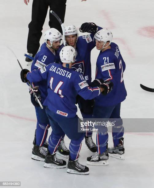 Yohann Auvitu of France celebrates his goal with PierreEdouard Bellemare Kevin Hecquefeuilles Stephane Da Costa and Antoine Roussel during the 2017...
