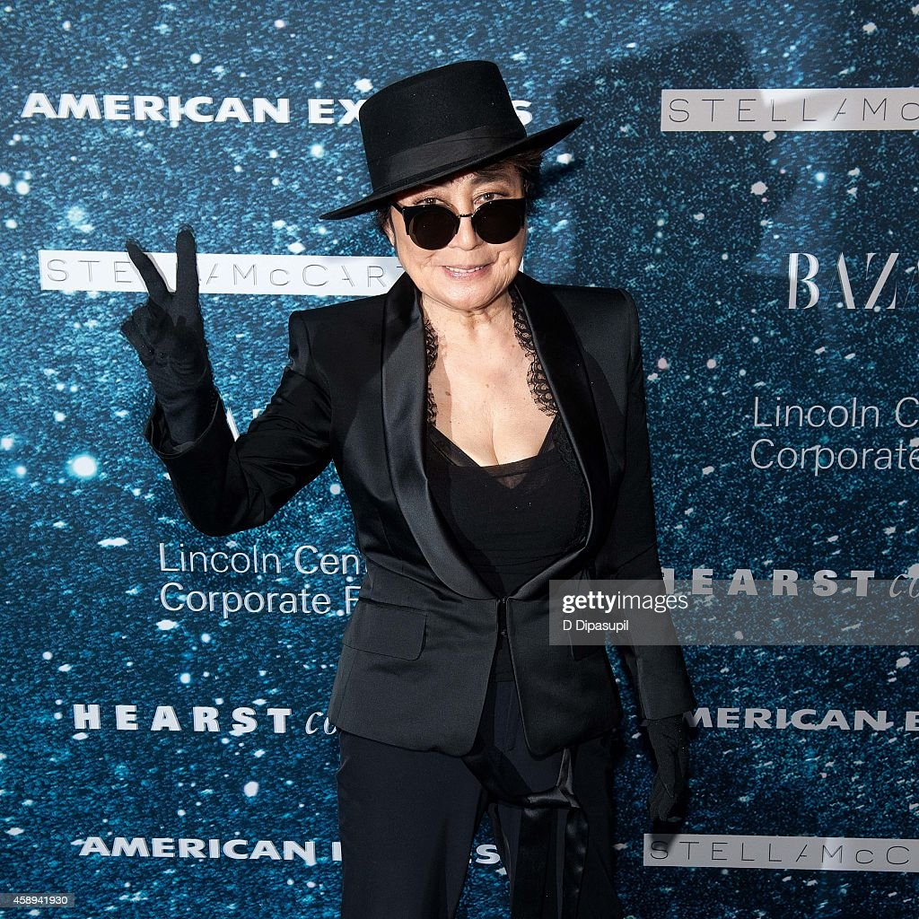 <a gi-track='captionPersonalityLinkClicked' href=/galleries/search?phrase=Yoko+Ono&family=editorial&specificpeople=202054 ng-click='$event.stopPropagation()'>Yoko Ono</a> attends the 2014 Women's Leadership Award Honoring Stella McCartney at Alice Tully Hall at Lincoln Center on November 13, 2014 in New York City.