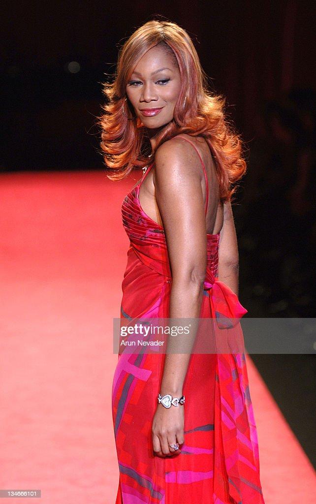 Red dress usa quarter