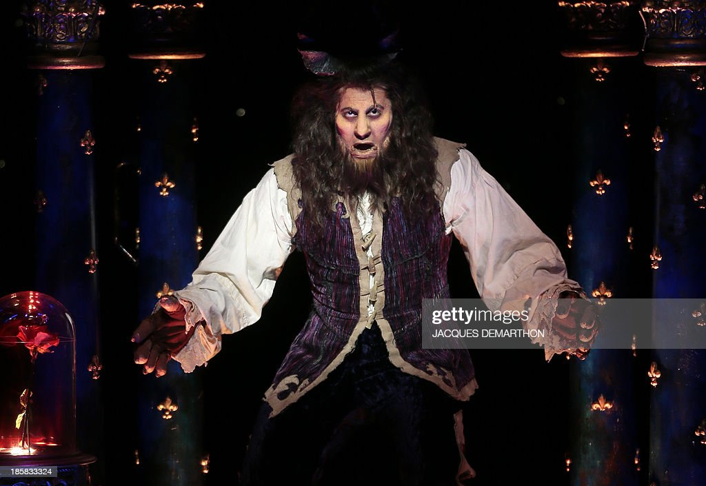 Yoni Amar plays 'Beast' during a dress rehearsal of 'the Beauty and the Beast The Broadway Musical' at the Mogador theater in Paris on October 24...