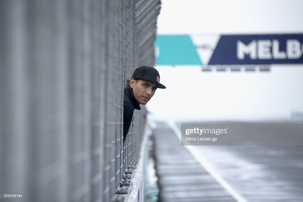 Yonny Hernandez of Colombia and Aspar Team MotoGP looks on the track condition in pit wall during the 2016 MotoGP Test Day at Phillip Island Grand Prix Circuit on February 17, 2016 in Phillip Island, Australia.