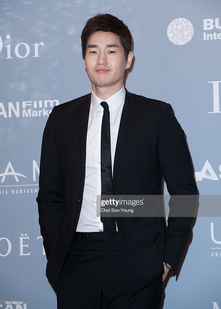 <a gi-track='captionPersonalityLinkClicked' href=/galleries/search?phrase=Yoo+Ji-Tae&family=editorial&specificpeople=3033590 ng-click='$event.stopPropagation()'>Yoo Ji-Tae</a> attends the 'United Asian Film Night with Christian Dior' in conjunction with the Busan International Film Festival(BIFF) at the Westin Chosun Hotel on October 8, 2012 in Busan, South Korea.
