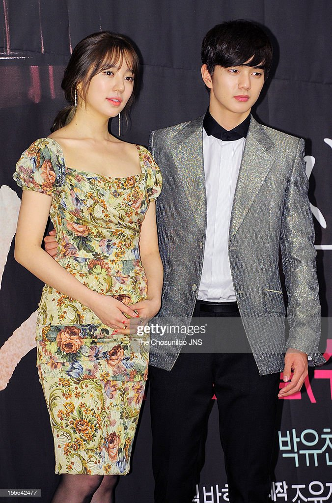 <a gi-track='captionPersonalityLinkClicked' href=/galleries/search?phrase=Yoon+Eun-Hye&family=editorial&specificpeople=4342448 ng-click='$event.stopPropagation()'>Yoon Eun-Hye</a> and Yoo Seung-Ho attend the MBC Drama 'Missing You' Press Conference at lotte hotel on November 1, 2012 in Seoul, South Korea.