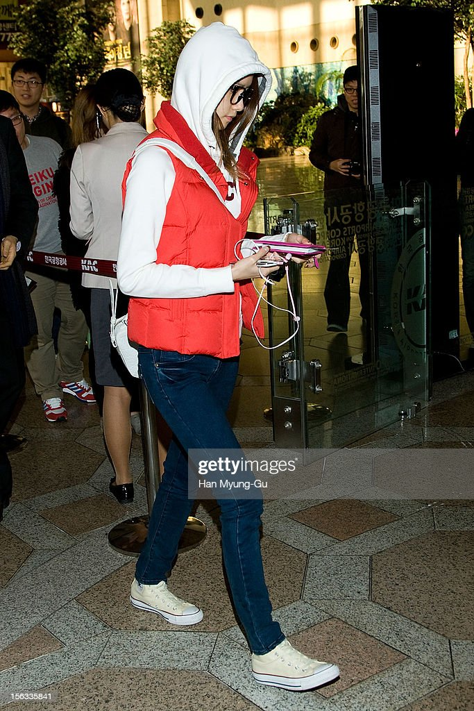 <a gi-track='captionPersonalityLinkClicked' href=/galleries/search?phrase=Yoona&family=editorial&specificpeople=2525824 ng-click='$event.stopPropagation()'>Yoona</a> of South Korean girl group Girls' Generation is seen at Gimpo International Airport on November 13, 2012 in Seoul, South Korea.