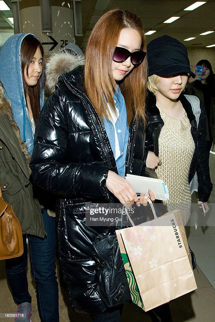 <a gi-track='captionPersonalityLinkClicked' href=/galleries/search?phrase=Yoona&family=editorial&specificpeople=2525824 ng-click='$event.stopPropagation()'>Yoona</a> of South Korean girl group Girls' Generation is seen upon arrival at Gimpo International Airport on February 18, 2013 in Seoul, South Korea.