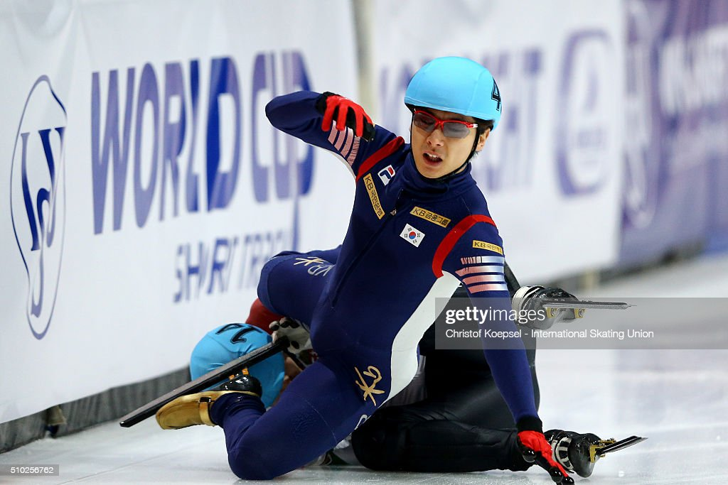 Yoon-Gy Kwak of Korea falls down during men 500m semifinal heat two during Day 3 of ISU Short Track World Cup at Sportboulevard on February 14, 2016 in Dordrecht, Netherlands.