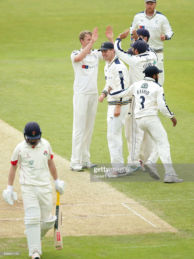 Yorkshire celebrate <a gi-track='captionPersonalityLinkClicked' href=/galleries/search?phrase=Steven+Patterson+-+Kricketspelare&family=editorial&specificpeople=15562678 ng-click='$event.stopPropagation()'>Steven Patterson</a>'s dismissal of Karl Brown of Lancashire during day two of the Specsavers County Championship: Division One match between Yorkshire and Lancashire at Headingley on May 30, 2016 in Leeds, England.