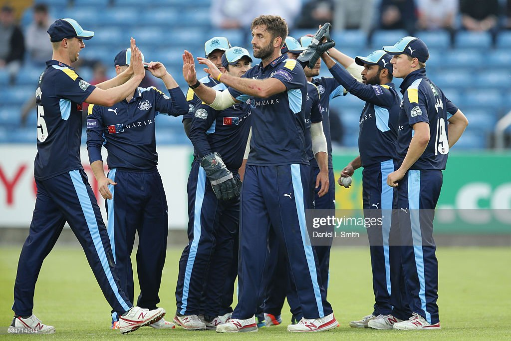Yorkshire Vikings celebrate after dismissing Kevin O'Brien of Leicestershire Foxes during the NatWest T20 Blast match between Yorkshire and Leicestershire at Headingley on May 27, 2016 in Leeds, England.