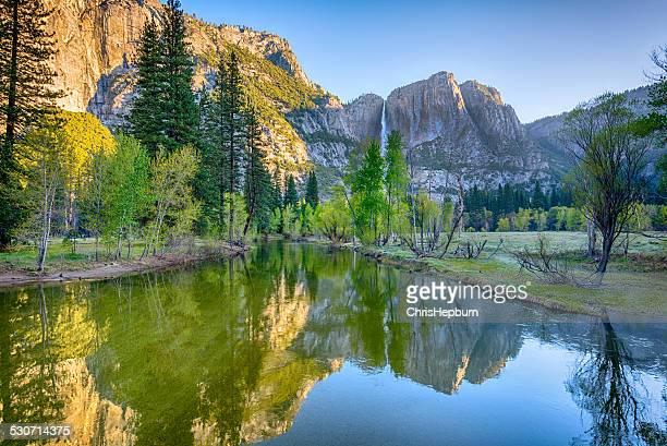 Chutes de Yosémite, rivière Merced, Californie, États-Unis