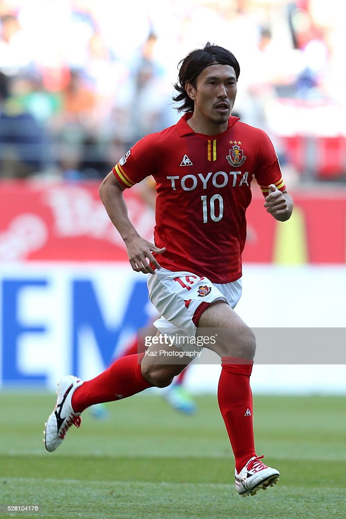 <a gi-track='captionPersonalityLinkClicked' href=/galleries/search?phrase=Yoshizumi+Ogawa&family=editorial&specificpeople=5818463 ng-click='$event.stopPropagation()'>Yoshizumi Ogawa</a> of Nagoya Grampus in action during the J.League match between Nagoya Grampus and Yokohama F.Marinos at the Toyota Stadium on May 4, 2016 in Toyota, Aichi, Japan.