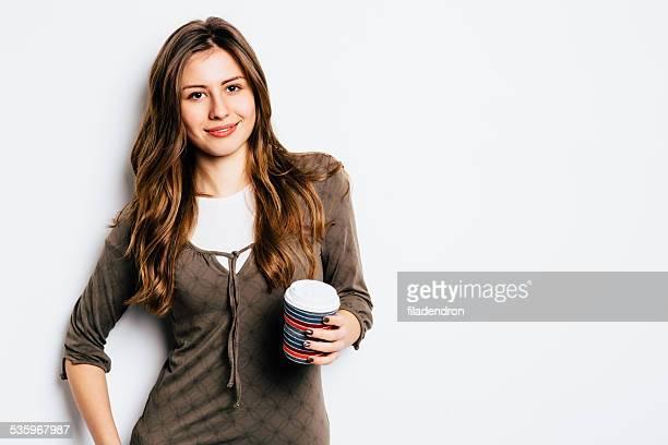 Yound fille dans un café