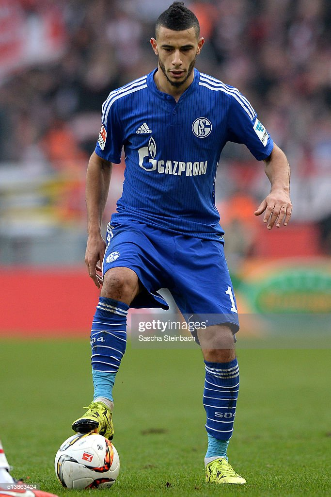 Younes Belhanda of Schalke controls the ball during the Bundesliga match between 1. FC Koeln and FC Schalke 04 at RheinEnergieStadion on March 5, 2016 in Cologne, Germany.