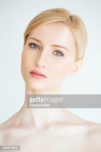 Jovem mulher Bonita : Foto de stock