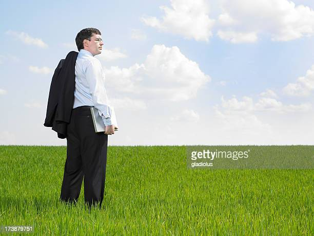 Giovane uomo d'affari pianificazione per il futuro